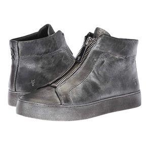 🆕FRYE Silver Hightop Zipper Sneakers • 8M • NEW😍